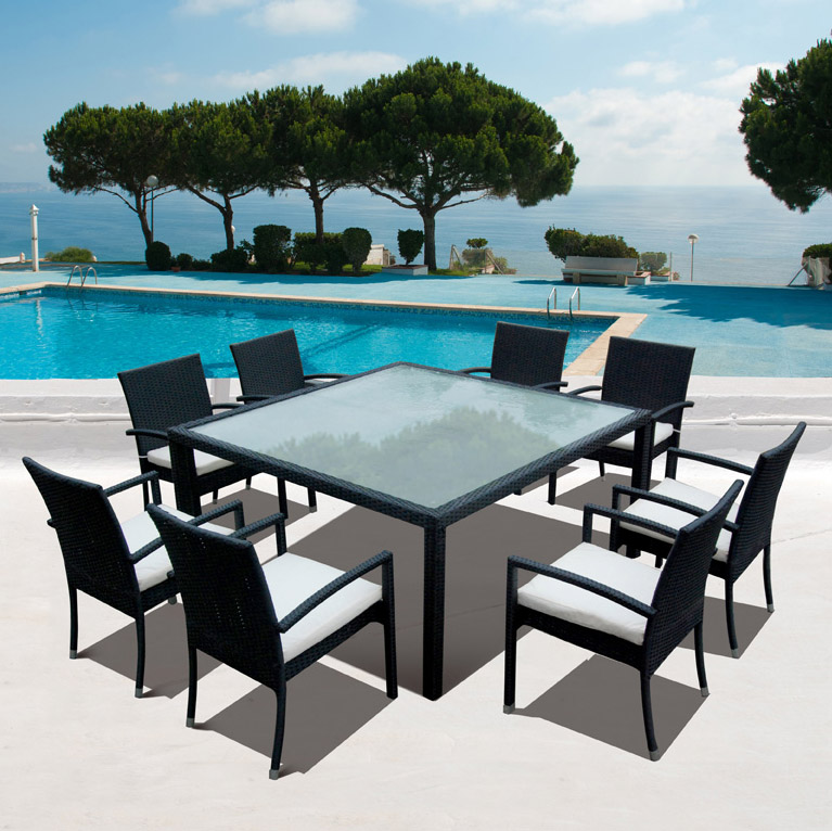 Salon de jardin en resine tressee 8 personnes nice for Table de jardin carre